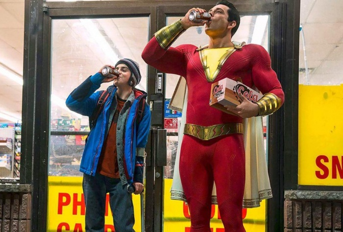 https blogs images.forbes.com scottmendelson files 2018 07 Shazam movie official costume image cropped