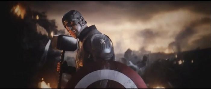 Vengadores: Endgame - Capitán América con el martillo de Thor