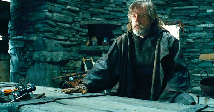 mark hamill confirms rise of skywalker suspicions about lukes return