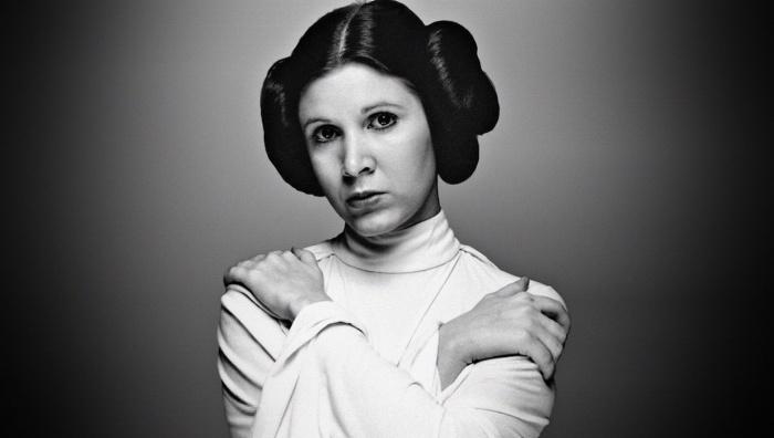 Una de las fotos más icónicas de Fisher, en su papel de la princesa Leia