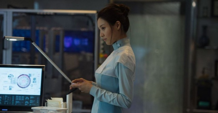 Claudia Kim es Helen Cho en Vengadores la era de Ultron